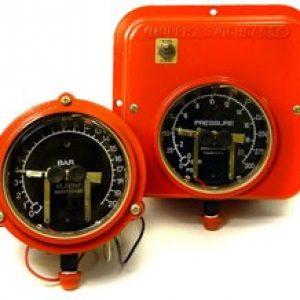 OPL series 4.5″ Pressure Gauge and Swichgage®